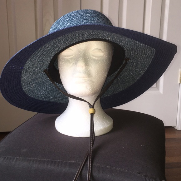Accessories - Sloggers wide brim garden hat new without tag 167265eaae2
